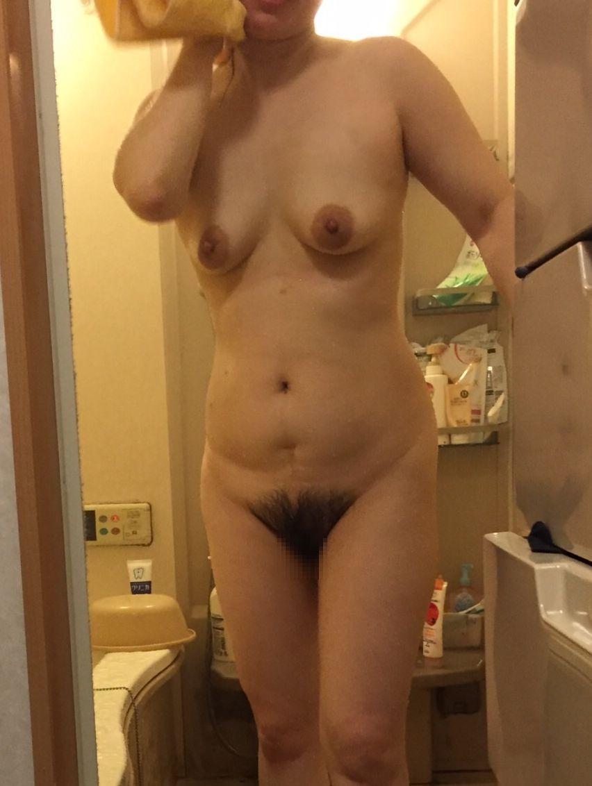 【入浴画像】お風呂上りでさっぱりしたおばさん達のエロい熟れた身体2